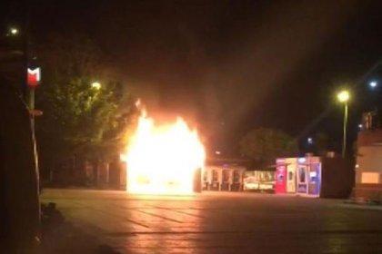 İBB Sözcüsü Murat Ongun açıkladı: Bakırköy'deki Halk Ekmek büfesi kimliği belirsiz kişiler tarafından yakılmıştır