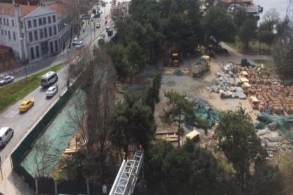 İBB'nin korunması için mücadele verdiği tarihi Divanhane Karakol Binası yıkıldı