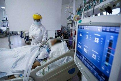 İki doz aşı olup koronaya yakalanan gençler belirtileri anlattı