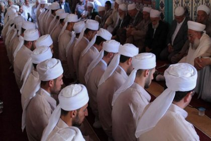 İlahiyatçı Prof. Dr. Şahin Filiz: Dini işleri kolaylaştırmak için Diyanet var, derneklere ihtiyaç yok