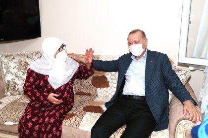 İmamoğlu ve Kılıçdaroğlu'nun evinde ziyaret ettiği Mahruze Keleş'i Erdoğan da ziyaret etti
