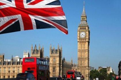 İngiltere, Türkiye'den gelenler için uygulanan karantinayı kaldırdı