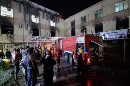Irak'ta Covid hastanesindeki yangında en az 82 kişi öldü, Sağlık Bakanı açığa alındı