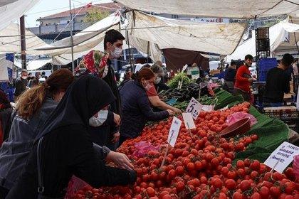 İstanbul'da 438 semt pazarı açıldı