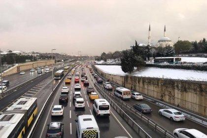 İstanbul'da kar trafiği yüzde 72'ye çıktı