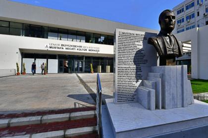 İzmir Büyükşehir Belediyesi'nin inşa ettiği Mustafa Necati Kültür Merkezi 15 Ekim'de açılıyor