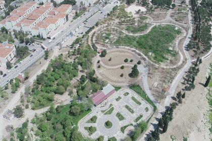 İzmir'de Dr. Behçet Uz Rekreasyon Alanı sonbahara hazır