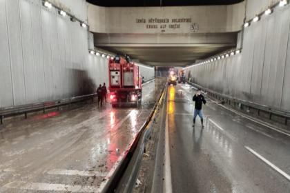 İzmir'deki sağanak yağışın ardından Tunç Soyer'den açıklama: Kimsenin mağduriyet yaşamasına izin vermeyeceğiz, her türlü yardımı yapacağız