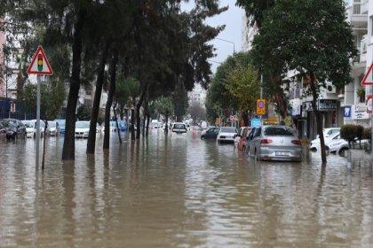 İzmir'deki sel felaketinde 1 kişi hayatını kaybetti