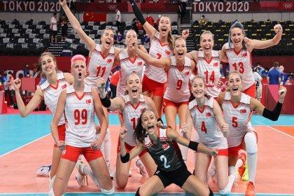 Kadın Milli Voleybol Takımı, son Olimpiyat şampiyonu Çin'i 3-0 mağlup etti