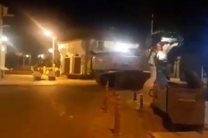 Kepçenin üzerine Bodrum Belediyesi'nin logosunu yerleştirip yollara zarar verdiler!
