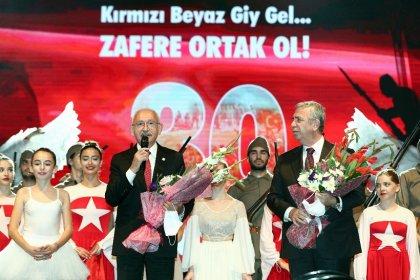 Kılıçdaroğlu, Ankara'da 30 Ağustos Zafer Bayramı kutlamalarına katıldı; 'Cumhuriyetimizin 100. yılını demokrasi ile taçlandıracağız'