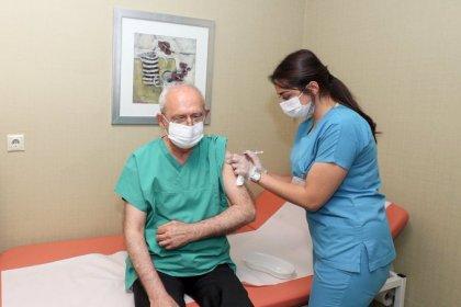 Kılıçdaroğlu, Bilim Kurulu tavsiyesi sonrası 3. doz aşısını oldu