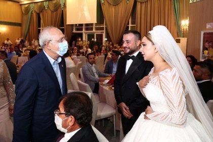 Kılıçdaroğlu, Burcu ve Ramazan çiftinin düğün törenine katıldı