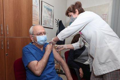Kılıçdaroğlu ikinci doz Covid-19 aşısını yaptırdı