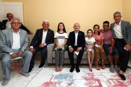 Kılıçdaroğlu, Marmaris'teki orman yangınında evini kaybeden Yılmaz ailesini ziyaret etti