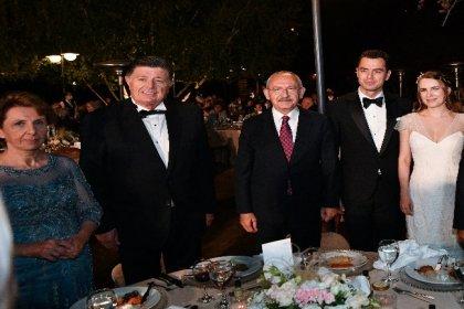 Kılıçdaroğlu, önceki dönem CHP Milletvekili Rıza Yalçınkaya'nın oğlunun nikah şahidi oldu