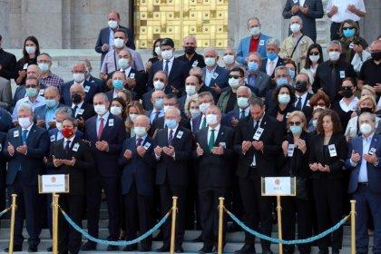 Kılıçdaroğlu, Şahin Mengü için düzenlenen cenaze törenine katıldı