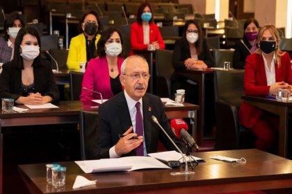 Kılıçdaroğlu, 'Siyasette Eşit Temsile' dair kanuna teklifine ilk imzayı attı