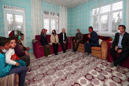 Kılıçdaroğlu ve eşi Ankara Çubuk'ta linç girişiminde evlerine misafir olduğu Doruk ailesi ile iftar yaptılar