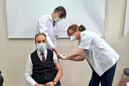 Koronavirüs aşısı olan AKP'li vekile tepki: Nasıl bir önceliğiniz var?