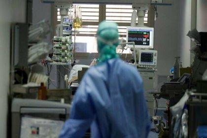 Koronavirüs salgınında ölenlerin sayısı 2 milyon 49 bini, vaka sayısı 96 milyonu aştı