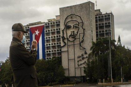 Küba'da üretilen Covid-19 aşı denemeleri için onay verildi