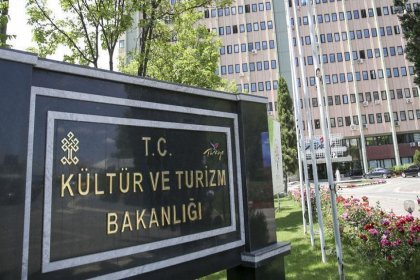 Kültür ve Turizm Bakanlığı'nın skandal paylaşımına tepki: 'Parti devletinin belgesi'