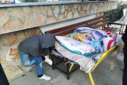 Kuşadası'nda evsiz vatandaşlar otellere yerleştirildi