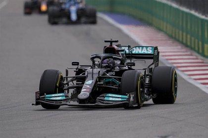 Lewis Hamilton İstanbul'da 10 sıra geriden başlayacak