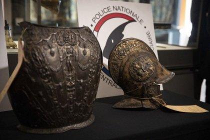 Louvre Müzesi'nden çalınan zırh ve miğfer 38 yıl sonra bulundu