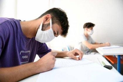 Mersin Büyükşehir Belediyesi ön lisans öğrencilerine de burs verecek