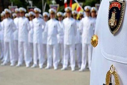 Montrö bildirisine imza atan emekli amirallerden Ergun Mengi tutuklama, diğer 13 kişi ise adli kontrolle serbest bırakılmaları talebiyle mahkemeye sevk edildi