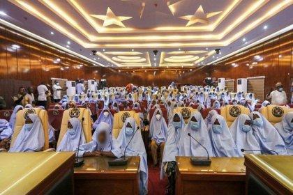 Nijerya'da kaçırılan yüzlerce kız öğrenci serbest bırakıldı