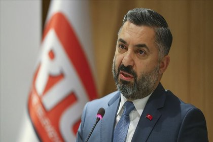 'RTÜK Başkanı Şahin, TV'lere lebaleb görüntüleri kullanmama talimatı gönderdi: Statlar, kongreler gösterilmeyecek!'