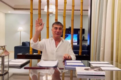 Sedat Peker, Süleyman Soylu'nun uçak kiralama faturasının sahte olduğunu iddia etti