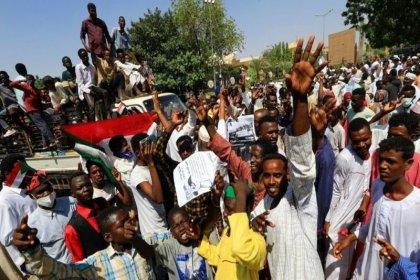 Sudan'da askeri darbe yanlıları protesto gösterileri düzenledi