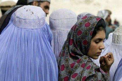 Taliban, kız çocuklarının orta eğitime geri dönebilmesi için ulemadan görüş bekliyor