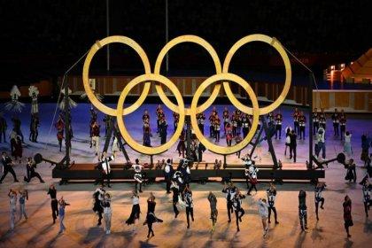 Tokyo 2020 Olimpiyatları'nda açılış töreni salgın önlemlerinin gölgesinde başladı