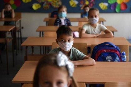 TTB: Okullarda çalışan tüm yetişkinlerin aşılamaları tamamlanmalı, tüm aşılı ve aşısız yetişkinler maske takmalı