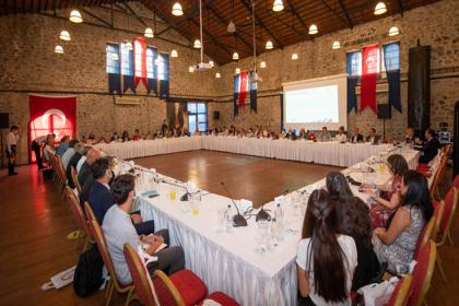 Tunç Soyer 20 ülkenin diplomatik temsilcileriyle Kültür Zirvesi hazırlıklarını konuştu