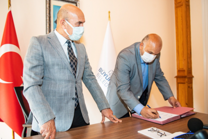 Tunç Soyer, Belediye İş Sendikası ile ek protokol imzaladı