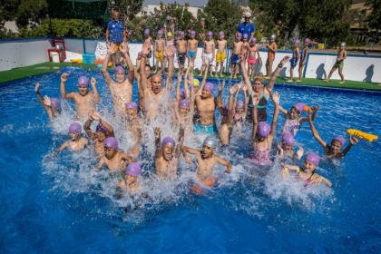 Tunç Soyer: Çocuklarımızı yüzme sporuyla da, havuzla da, denizle de buluşturacağız