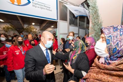 Tunç Soyer: Engelsiz bir İzmir inşa etmek bizim asli görevimiz
