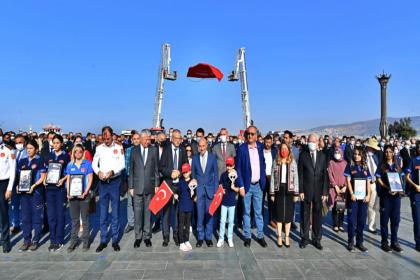 Tunç Soyer: Hem İzmir'e hem de ülkemize umut olmayı başardık