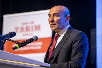 Tunç Soyer İzmir'in yeni tarım politikasını açıkladı: Çiftçi doğduğu yerde doyacak, kentli adil gıdaya ulaşacak