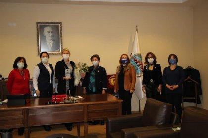 Türk Üniversiteli Kadınlar Derneği'nden Trakya'nın tek kadın Belediye Başkanı Özlem Becan'a ödül