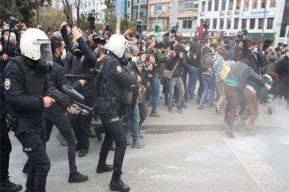 'Türkiye'de özgürlüklere yönelik baskılar genişleyerek artıyor'