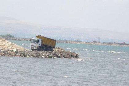 Van Gölü moloz ve hafriyatla dolduruluyor