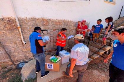 Yangından etkilenen Bodrum halkına acil ihtiyaç paketleri teslim edildi